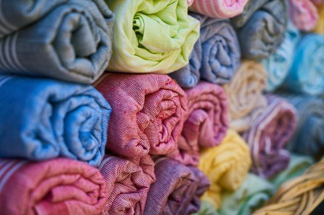Dzianiny bawełniane – skąd bierze się ich popularność?
