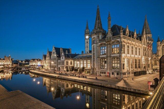 Belgia w złotówkach – czy warto wyjechać?