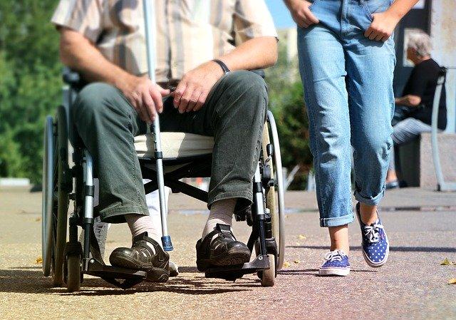 Jak pozyskać środki na przystosowanie stanowiska pracy osoby niepełnosprawnej?