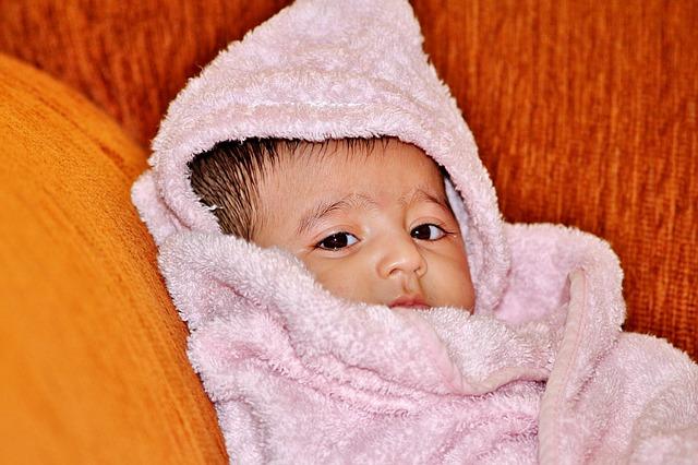 Ręcznik z kapturkiem – ciekawe rozwiązanie dla niemowlaka!